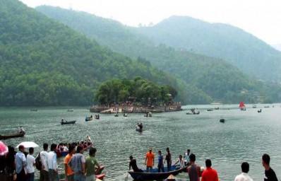 Kathmandu Pokhara Chitwan Tour Package